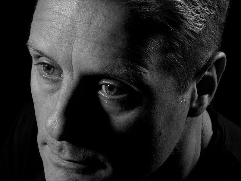 Portretfoto man zwart wit