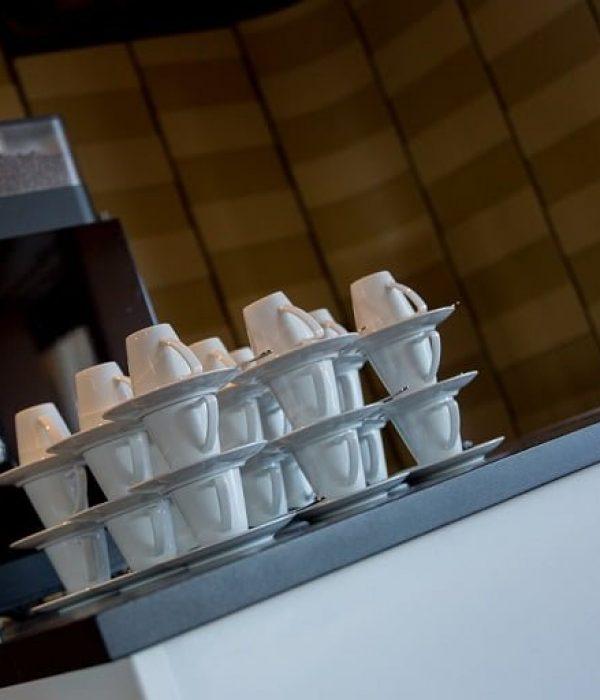 kopjes-koffie-koffiezetapparaat
